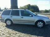 Volkswagen Golf 1.6                                            2003