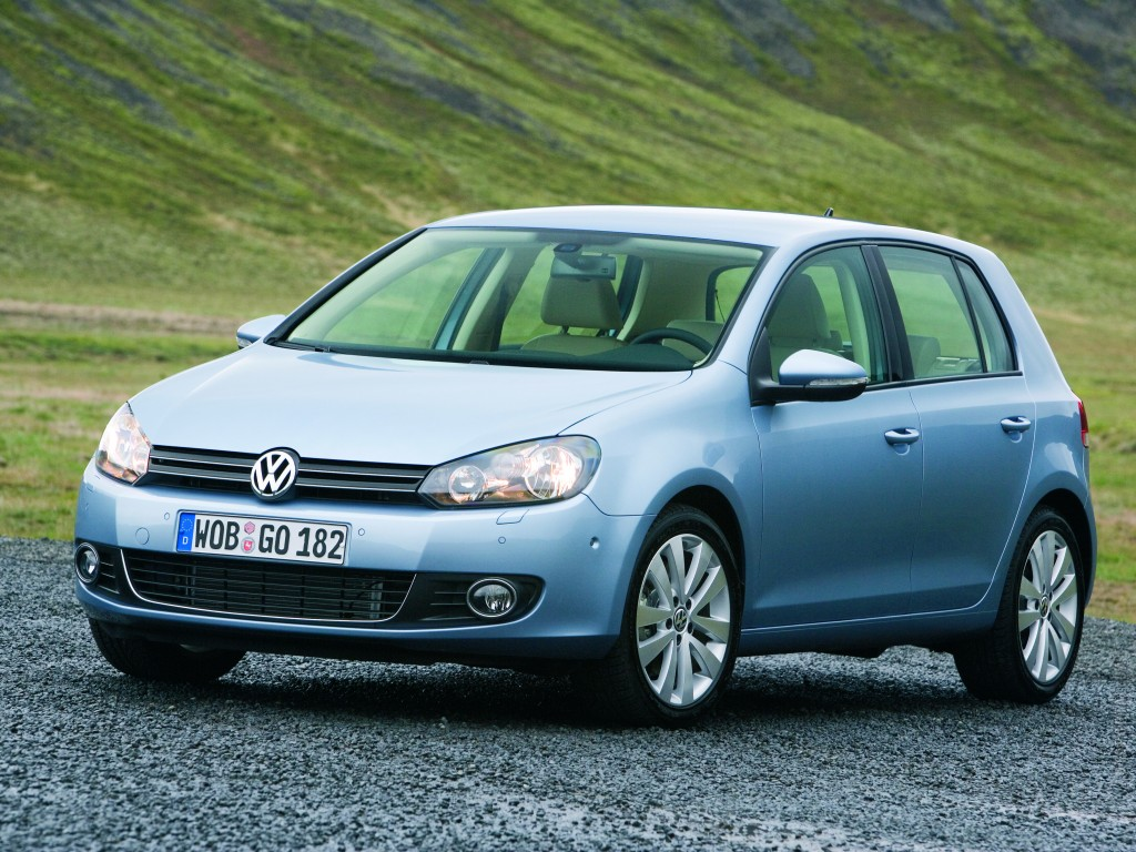 Фото Volkswagen Golf.